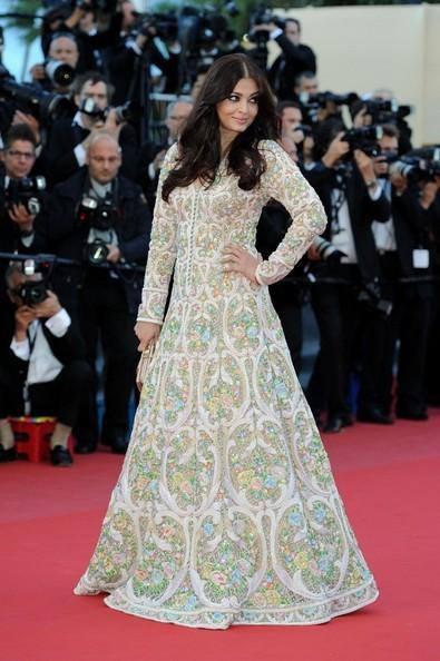 Aishwarya Rai Bachchan Walks On Red Carpet At Cannes