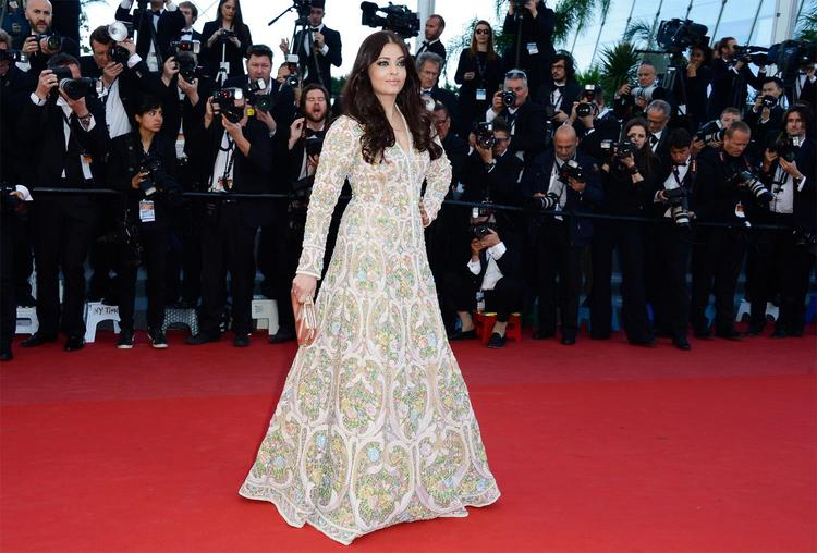 Aishwarya Rai Hit The Red Carpet At The Premiere Of The Film Blood Ties During The 2013 Cannes Film Festival