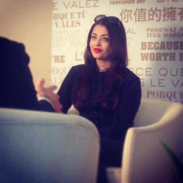 Aishwarya Rai Looking Sharp And Ready For Her Interview At Cannes 2