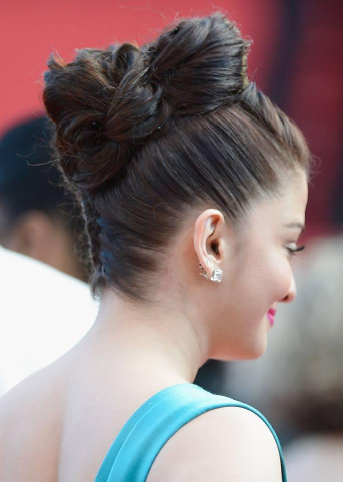Aishwarya Tied Her Hair At The Premiere Of Cleopatra At The 66th Cannes Film Festival