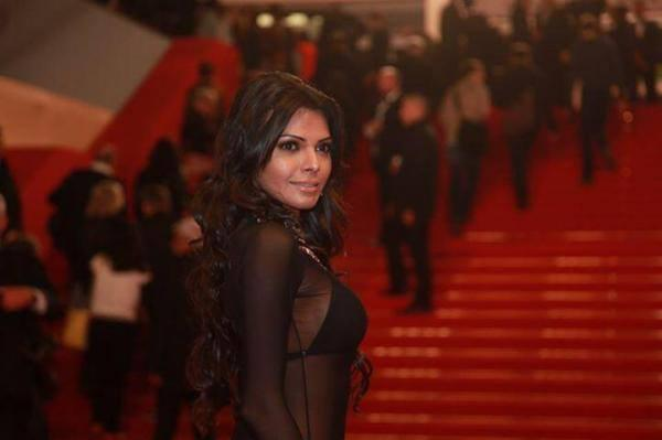 Sherlyn Spicy Stunning Look In Red Carpet At 66th Cannes Film Festival 2013