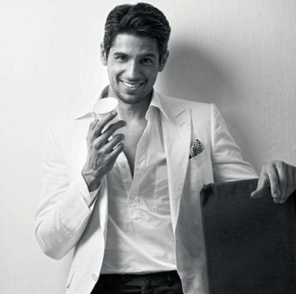 Sidharth Malhotra Smiling Look Photo Shoot For Filmfare June 2013