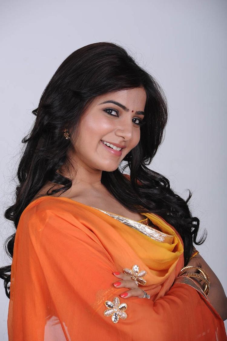 Samantha Ruth Prabhu Dazzling Face Look Cool Still