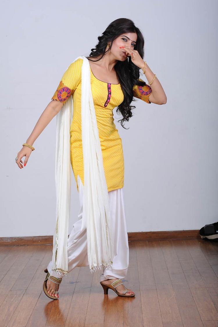 Samantha Ruth Prabhu Nice And Cool Pose Photo Still