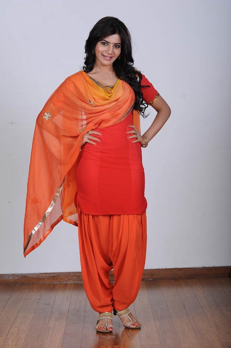 Samantha Ruth Prabhu Strikes A Pose Still