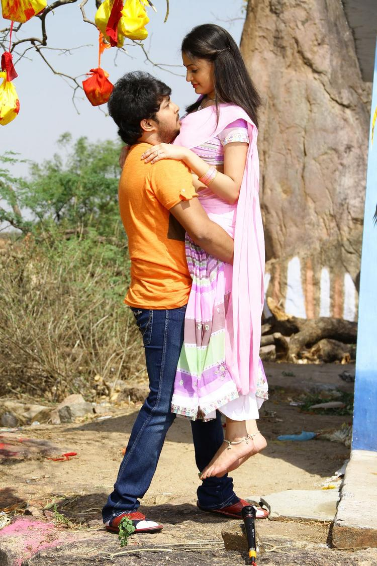 Tanish And Rupal A Still From The New Upcoming Movie Band Baaja