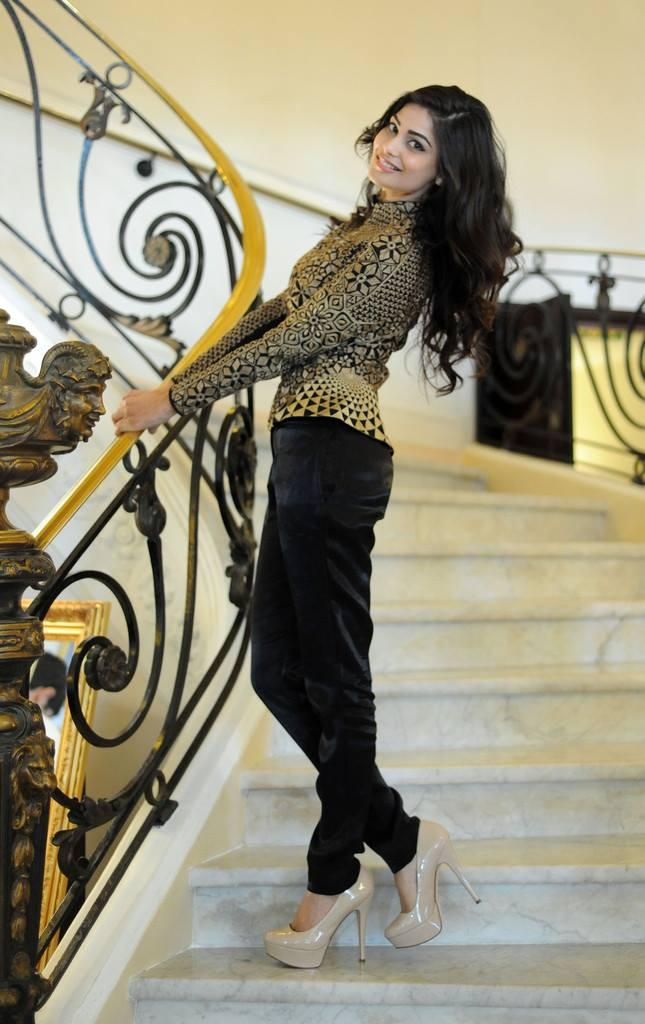 Puja Gupta Cool Fashionable Posed In Shortcut Romeo Portrait Session At Cannes 2013
