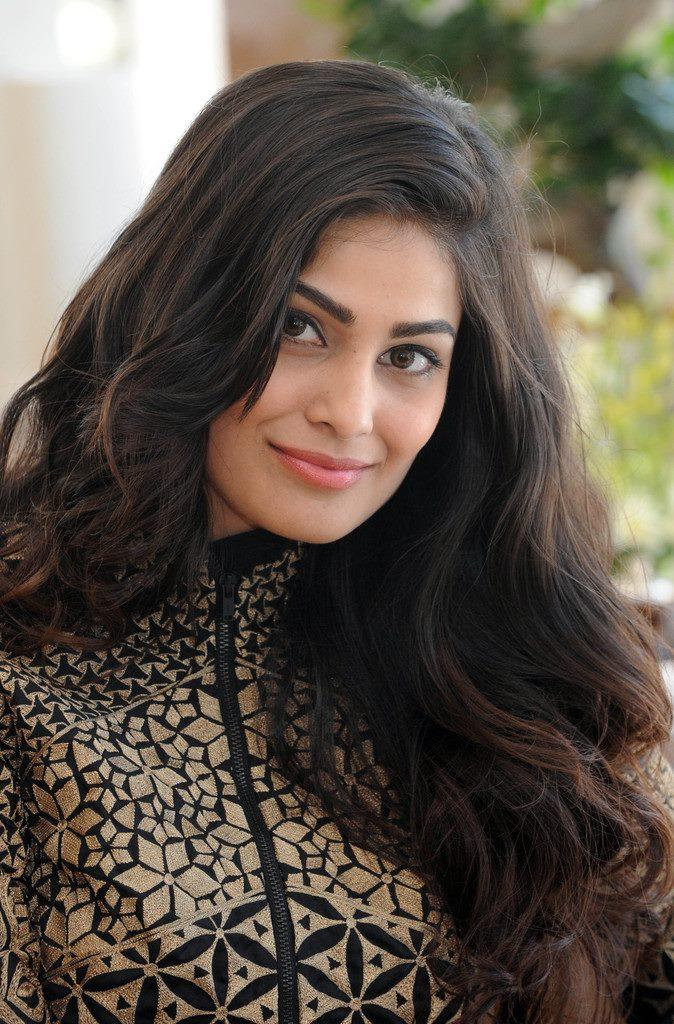 Puja Gupta Cute Face Look In Shortcut Romeo Portrait Session At Cannes 2013