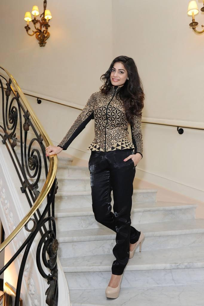 Puja Gupta Glamour Look Posed During The Shortcut Romeo Portrait Session At Cannes 2013
