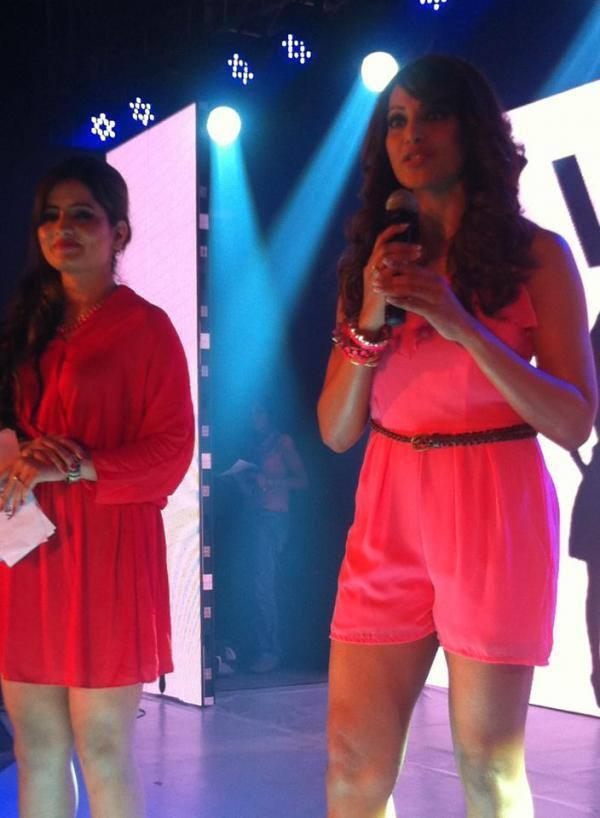 Bipasha Basu Snapped At The Vero Moda Fashion Show