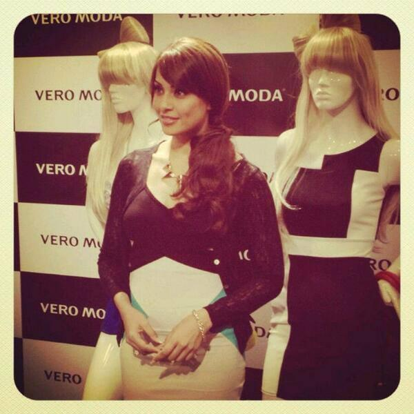 Bipasha Basu Spotted At Chandigarh Today For The Inauguration Of Vero Moda's Sector 17 Store