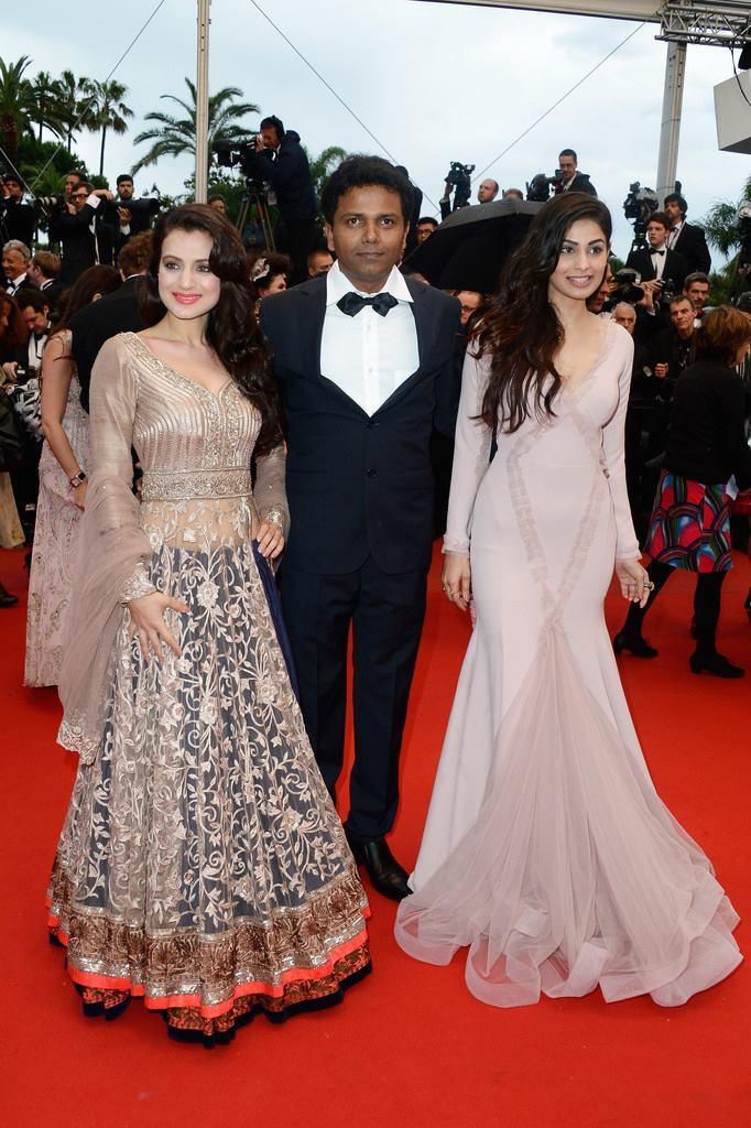 Shortcut Romeo Ladies Ameesha And Puja With Susi Ganeshan On The Red Carpet Of Cannes Film Festival