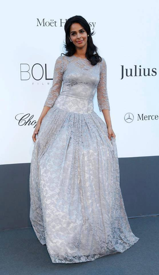 Mallika Sherawat Cute Pose During The Cannes AmfAR Gala