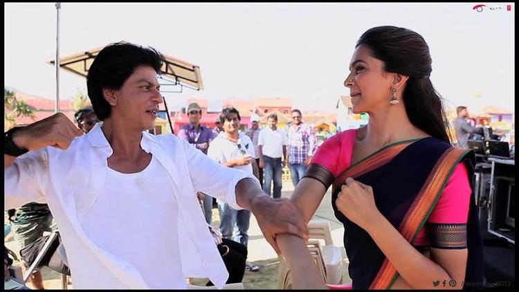 Shahrukh And Deepika Having Fun On The Sets Of Their Upcoming Film Chennai Express