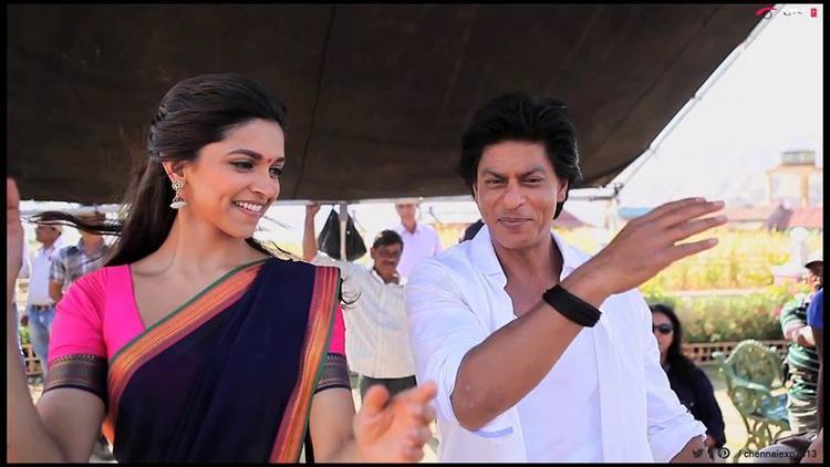 Shahrukh And Deepika At Last Day Of Shooting Of Chennai Express