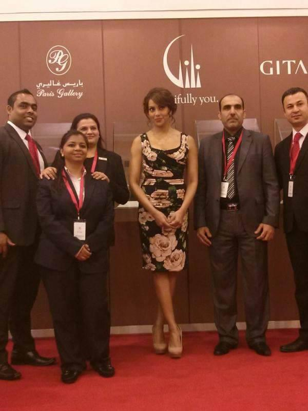 Bipasha Basu Pose During Gitanjali Jewellery Launch Event In Dubai Mall