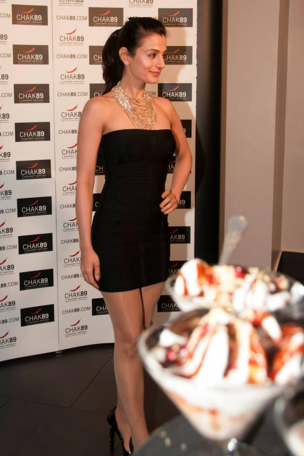 Ameesha Patel Spotted At CHAK 89 Spice Restaurant For Shortcut Romeo Promotion