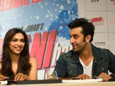 Deepika And Ranbir Smiling Look In Press Conference During The Promotions Of YJHD At Delhi