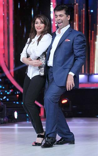 Karan And Madhuri Performs  During The First Look Launch Of Jhalak Dikhhla Jaa Session 6