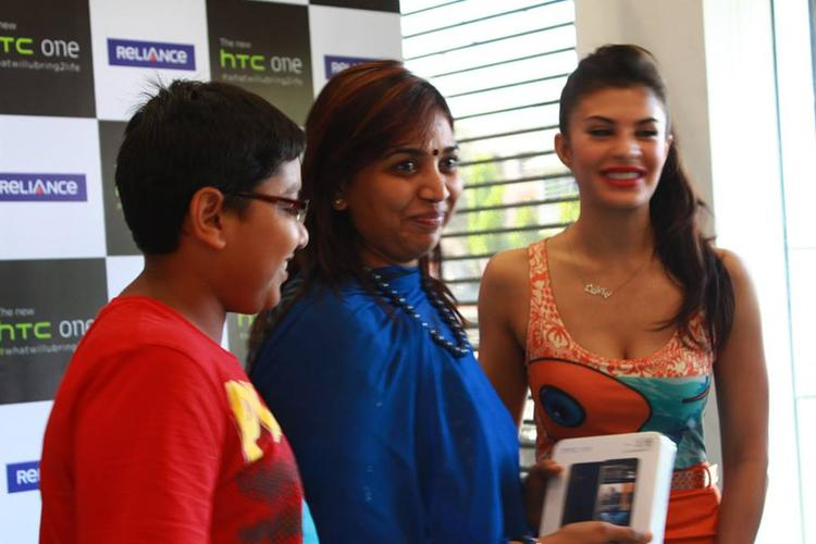 Jacqueline Fernandez At The Lauch Event Of HTC One Android Smartphone