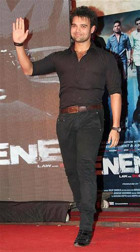 Mahaakshay Meet The Fans During  The Music Launch Event Of Enemmy