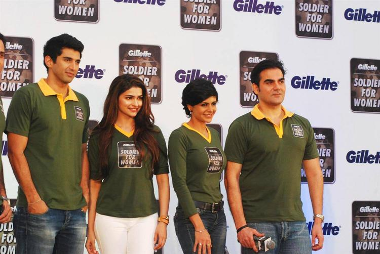 Arbaaz,Prachi,Aditya And Mandira Poses During The Launch Of Soldier For Women By Gillette