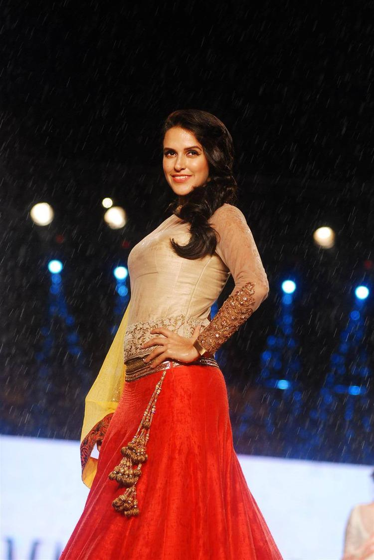 Neha Dhupia Walk Ramp For Manish Malhotra In Support Of Cancer Patients