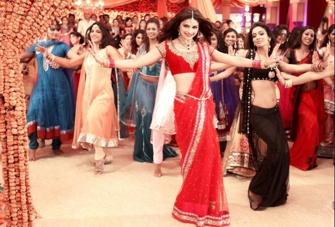 Prachi Desai Sexy Dance Still From The Movie Policegirl