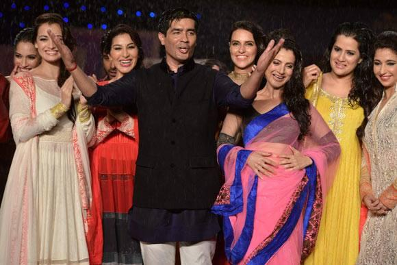 Bollywood Actress With Their Designer Manish At 8th Annual CPAA Fashion Show