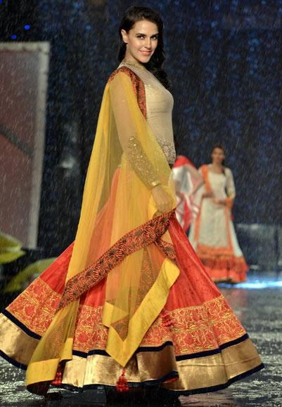Neha Dhupia Walks For Designer Manish In Support Of Cancer Patients