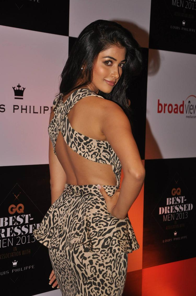 Hot Babe Exposing Her Sexy Dress During GQ Best Dressed Party 2013