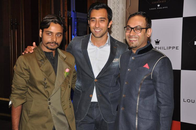 Rahul Khanna With Other Celebs During GQ Best Dressed Party 2013