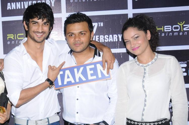 Sushant Spotted With Girlfriend Ankita At Richboyz Entertainment's 5th Anniversary Bash