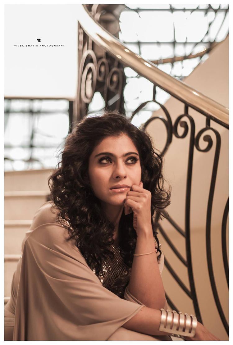 Kajol Devgan Smoky Eyes Look Sizzling Pic For Filmfare