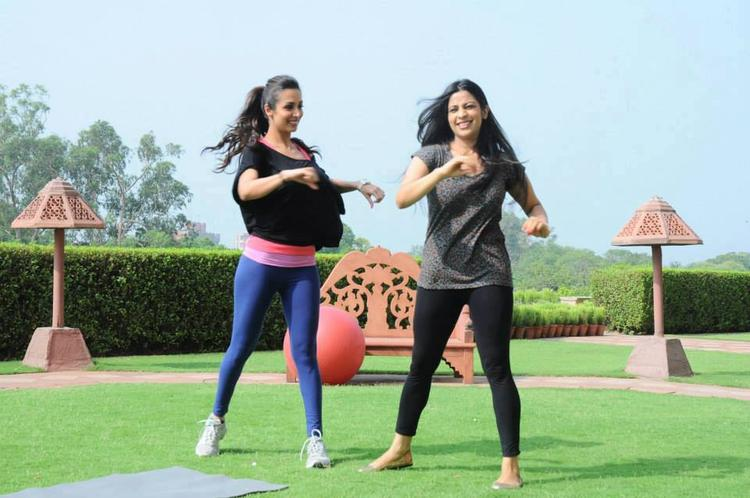 Malaika Yoga Still During The Event Stars in Your City