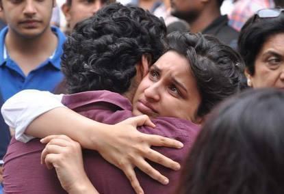Parineeti Chopra Sad Look At Priyanka Chopra's Dad Funeral Ceremony