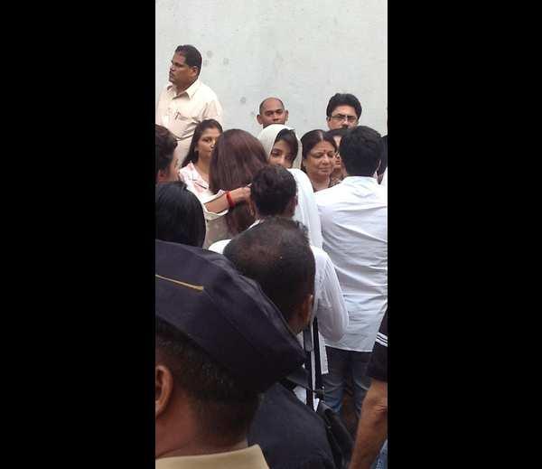 Priyanka Chopra At Her Dad Funeral Ceremony