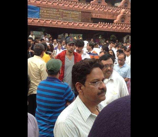 Ranbir Kapoor Present At Priyanka Chopra's Dad Funeral Ceremony