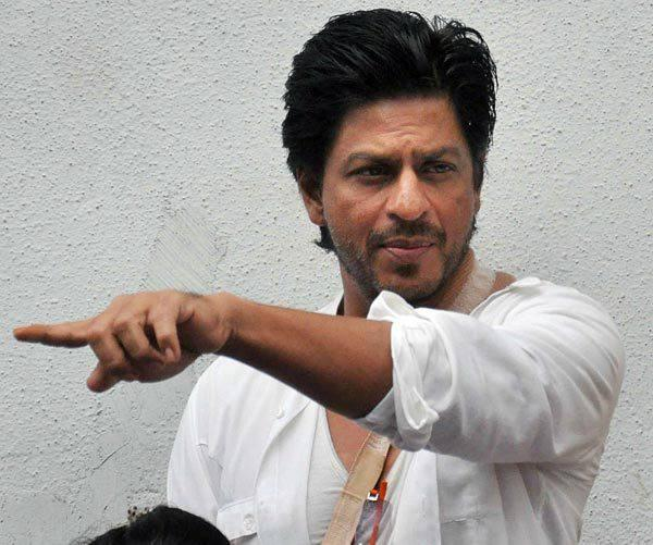 Shahrukh Khan Going To Pay Tribute At Priyanka Chopra's Dad Funeral Ceremony