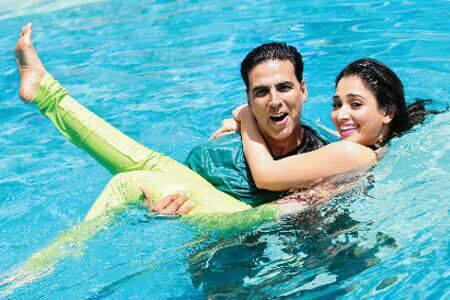 Akshay And Tamanna Cute Funny Still In The Swimming Pool