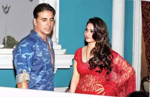 Akshay And Tamanna A Still On The Sets Of Its Entertainment