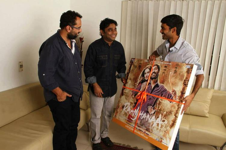 A.R.Rahman,Dhanush And Aanand Smiling Pic During Raanjhanaa Album Launch Event