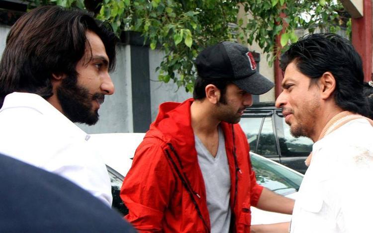 Ranveer,SRK And Ranbir Present At The Funeral Of Priyanka Chopra's Father