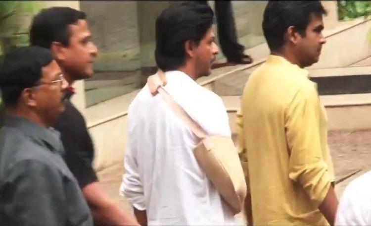 SRK Present The Funeral Of Priyanka Chopra's Father