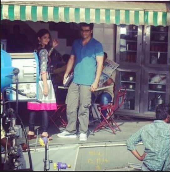Alia Bhatt Posed For The Camera On The Shooting Sets Of 2 States Movie