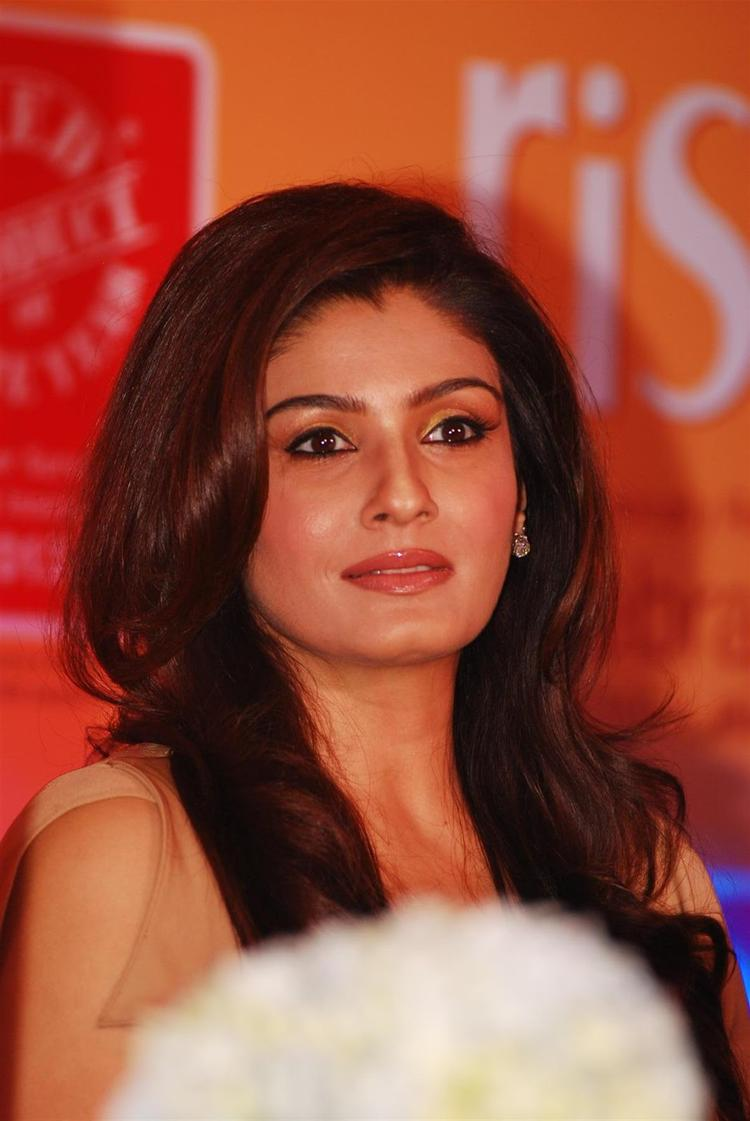 Brand Ambassador Raveena Looks Beautiful While Launching The Riso Rice Bran Oil In Mumbai