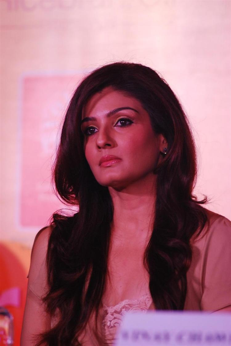 Raveena Tandon Attend The Riso Rice Bran Oil Press Meet In Mumbai
