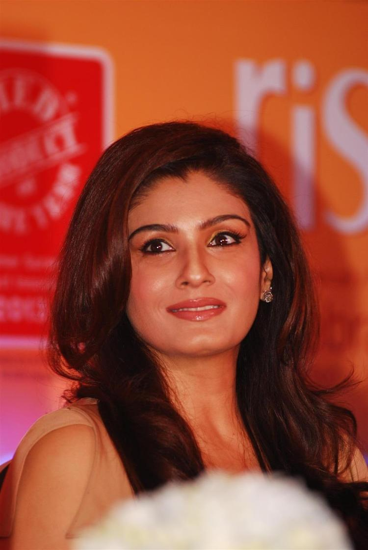 Raveena Tandon Cute Smiling Face Look At Riso Rice Bran Oil Launch Event