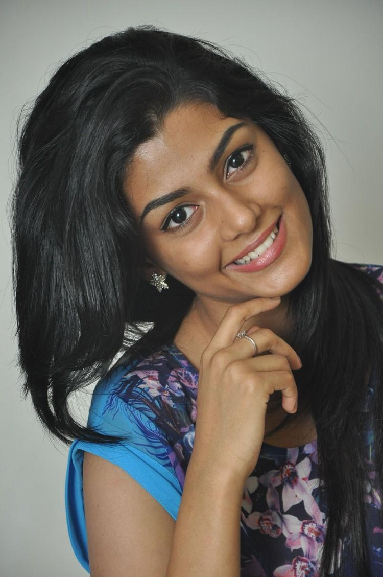 Anisha Ambrose Sweet Smiling Look Pic During Areyrey Press Meet Event