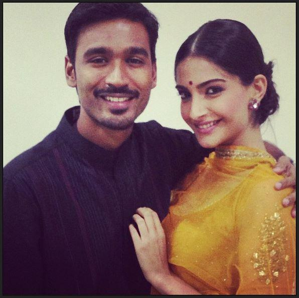 Dhanush And Sonam Cozy Look Posed In Lucknow For Raanjhanaa Promotions